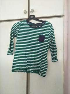 🚚 Striped top
