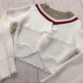 🚚 Off Shoulder Knit Top