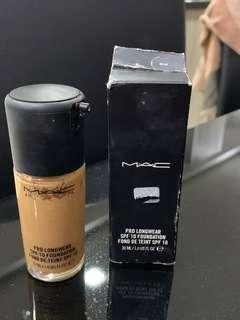 Mac Pro Longwear Foundation-NC40