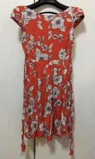 🚚 Dorothy Perkins- red floral dress