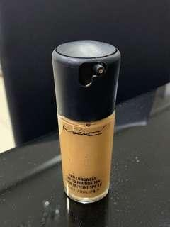 Mac pro longwear foundation- NC42