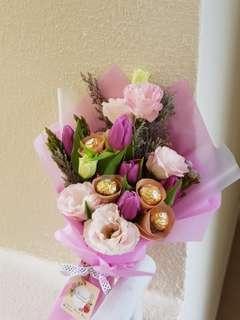 Ferrero Rocher +tulips fresh flowers bouquet | hand bouquet