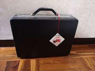 Prince attaché case vintage
