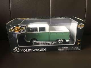 Volkswagen Double Cab Pickup Campervan 1:24