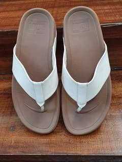 7213ec01c43b Men s Fitflop Sandals. Size 10 US