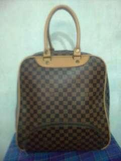 LOUIS VUITTON tas branded