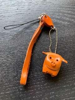 🚚 豬年手機吊飾