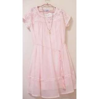 🚚 原價3280 大折扣 (粉紅控 顯瘦 附內裡)T-PARTS全新甜美粉色蕾絲花雪紡洋裝 index