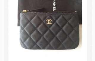 🚚 Chanel small o case in caviar leather and gold hardware