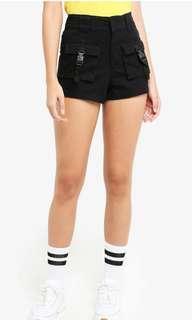 🚚 Factorie multi pocket shorts