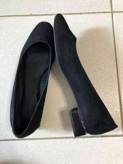 Charles and Keith Black Low Heeled shoes