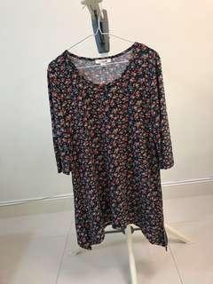 Women's knitted daisy print top