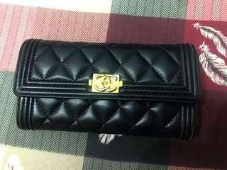 🚚 #半價衣服市集 非Chanel 真皮小羊皮 菱格壓紋 黑金長夾 12卡夾 4夾層 1零錢袋