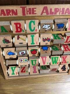 🚚 二手 木製英文字母幼兒玩具 約30cm