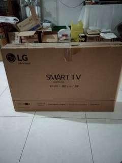 LG Smart TV 32 inch.