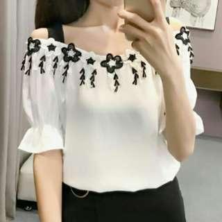 *FREE POST to West Malaysia only / Pre order +-12-15 days* Ladies embroidery top blouse each as shown in design /color. Free delivery is applied for this item.