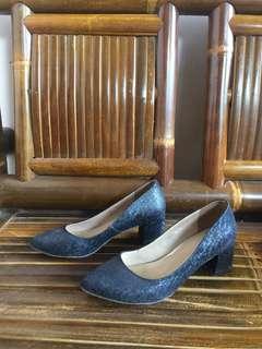 2 heels Kanina size 37