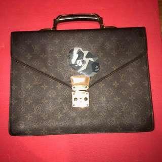 d6eba298b194 Louis Vuitton Briefcase(Steal)