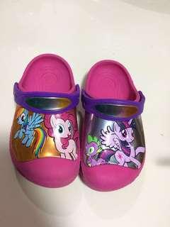 Crocs little pony