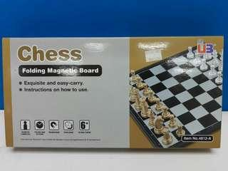 Chess Folding Magnetic Board Item No.4812-A