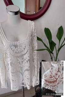 Broken White lace cantiq