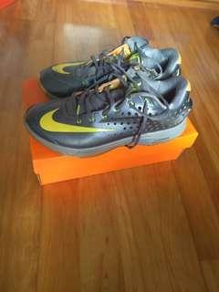 Nike KD 籃球鞋