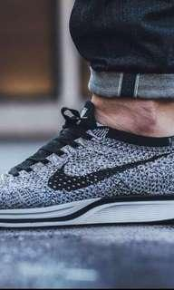 LOOKING FOR SNEAKERS/ SHOES SUPPLIER
