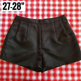 "27-28"" Highwaist Black Shorts"