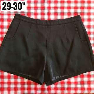 "29-30"" Highwaist Black Shorts"