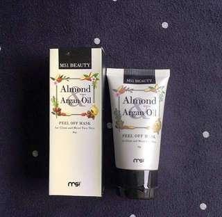 Masker komedo Almond Argan Oil