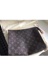 Louis Vuitton Monogram Neccesser Bag 26