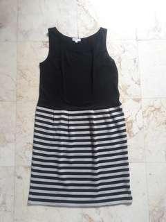 Dress hitam variasi garis2