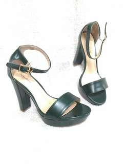 sz 5 Something Borrowed Sandal