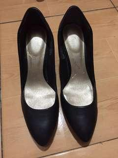 Rockport Pointed Black Shoes