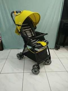 奇哥Joie Fluri輕量秒收嬰兒推車