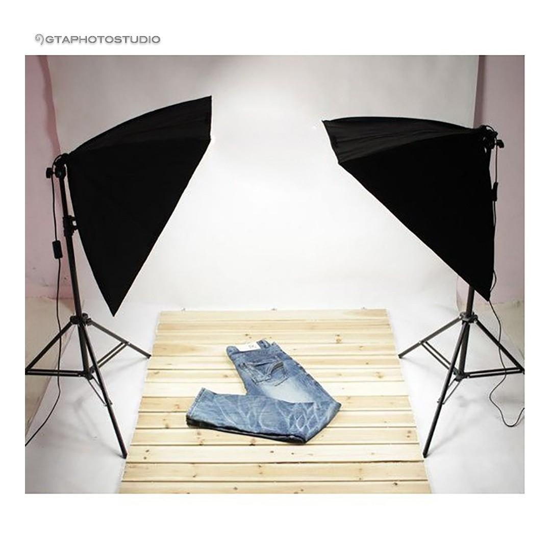 1800w Softbox Lighting Kit (great for shooting products) BRAND NEW!!