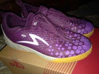 Sepatu futsal specs ukuran 38