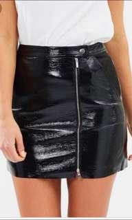 MAURIE AND EVE LEATHER SKIRT size 6