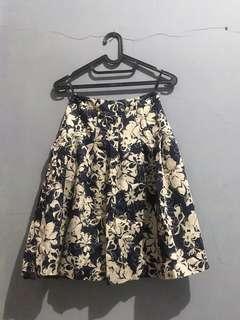Midi Flare Skirt (Rok Midi)