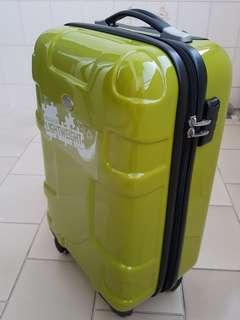 """American Tourister 20"""" Cabin Sized Luggage / Brand New / Puzzle-Lite Lightweight"""