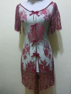 Blouse lace merah