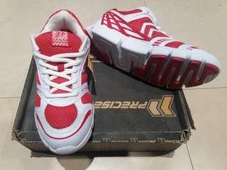 Sepatu ranning pria size 40 merk precise
