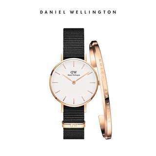 🚚 FREE SHIPPING! Daniel Wellington 28mm and 32mm Black Textured with cuff