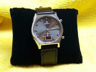 Zenith 80年代 行針及LED 石英手錶