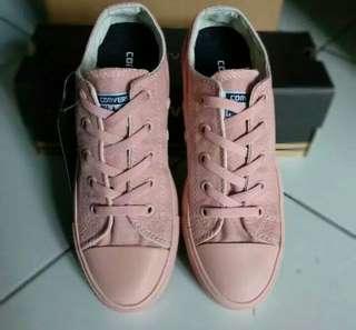 Sepatu Converse peach