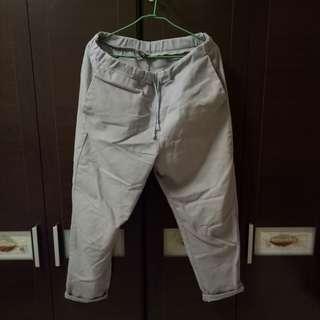 🚚 Glove男灰色台灣製造休閒褲,85成新,鬆緊帶適合30-31腰穿