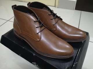 Burton Menswear Chukka Boots