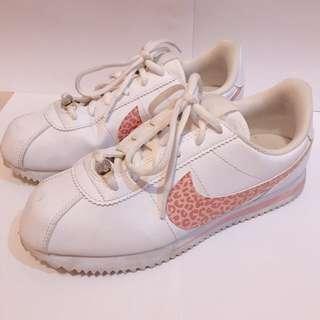 Nike Cortez gs pink & white