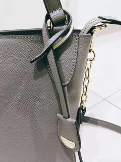 Pierre Cardin bag tag