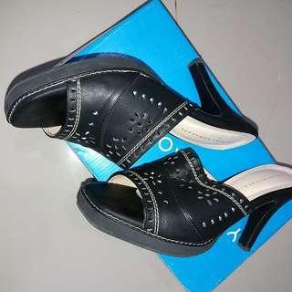 Yongki komaladi heels